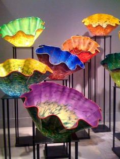 Decorative glass adds bursts of glowing color. By Dale Chihuly. Dale Chihuly, Stained Glass Art, Mosaic Glass, Fused Glass, Glass Beads, Blown Glass Art, Glass Design, Oeuvre D'art, Colored Glass