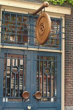 Knopenwinkel (i.e. button shop) in Amsterdam, Netherlands