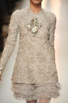 Chanel Spring 2010 - beige taupe