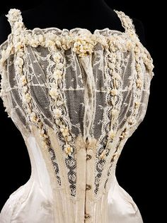 Bridal corset, 1905.No  wonder they were prone to faint!