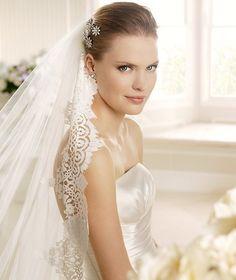 MELANIE » Wedding Dresses » 2013 Costura Collection » La Sposa (close up)