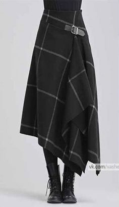 Modern take on a kilt in black with white windowpane pattern - Designer Dresses Couture Mode Outfits, Skirt Outfits, Dress Skirt, Fashion Outfits, Kilt Skirt, Skirt Boots, Tweed Skirt, Dress Boots, Jeans Fashion