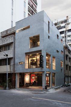 Renovation of Split-Level Hair Salon & Residential - HAO Design studio Situation : Kaohsiung City, Taiwan Année : 2014