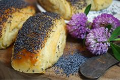 Tebirkes - Danska vallmobröd Artisan Bread Recipes, Baking Recipes, No Bake Desserts, Dessert Recipes, Danish Food, Our Daily Bread, Breakfast Snacks, Bread Baking, No Bake Cake