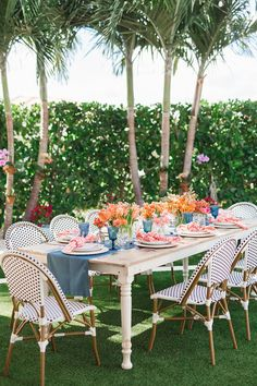 This lighthouse wedding that took place in Jupiter, Florida is a testament to the power of a unique wedding venue on the water, a navy and coral color palette and whimsical decor with pattern play to the max. Cal and Siobhan could not have created a more fun and relaxed atmosphere for their guests, and we can practically feel the salty sea air! Unique Wedding Venues, Wedding Trends, Wedding Vendors, Unique Weddings, Wedding Designs, Fall Wedding, Our Wedding, Tropical Weddings, Wedding Blog