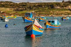 Malta, Gozo, go for it! Über kleine Inseln mit großem Reisepotential Pizza Und Pasta, Malta Gozo, Malteser, Go For It, Sailing Ships, Front Row, The Row, Country Stores, Small Restaurants