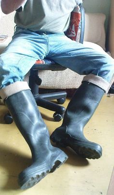 Lover of waders and wellies Tight Jeans Men, Boys Jeans, Muck Boots, High Boots, Anton, Biker Pants, Wellington Boot, Jeans And Boots, Rubber Rain Boots