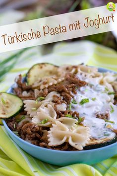 Turkish pasta with yogurt sauce and minced meat - my room - Recipe for a really. - Turkish pasta with yogurt sauce and minced meat – my room – Recipe for a really tasty and unco - Healthy Drinks, Healthy Snacks, Healthy Recipes, Pasta With Yogurt, Sauce Recipes, Pasta Recipes, Carne Picada, Yogurt Sauce, Vegetable Side Dishes