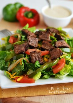 Steak Fajita Salad with Chipotle Ranch Dressing - Life In The Lofthouse *And, that's what for DINNER in our weekly, Ha* Mexican Food Recipes, Beef Recipes, Vegetarian Recipes, Cooking Recipes, Healthy Recipes, Recipies, Healthy Options, Diabetic Recipes, Healthy Meals
