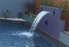 chute d 39 eau dans un mur de soutenement r alisation maxhorti murs d eau pinterest. Black Bedroom Furniture Sets. Home Design Ideas