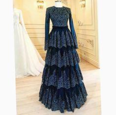 27 Ideas For Bridal Dresses Indian Haute Couture Muslim Evening Dresses, Muslim Dress, Pakistani Dresses, Indian Dresses, Elegant Evening Gowns, Abaya Fashion, Fashion Moda, Muslim Fashion, Fashion Dresses
