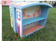 Duas gavetas antigas + papel de presente ou tecido = casinha de boneca.