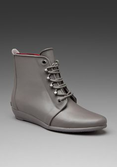 Perfect for those questionable rainy days. Prepared for the rain, but still cute to wear if it doesnt!