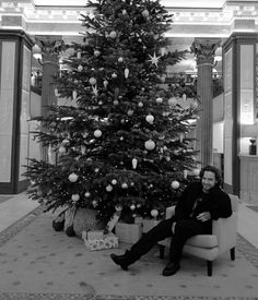 Liam Payne Merry Christmas Baby, Christmas Wishes, Christmas Tree, One Direction Harry, Big Love, Liam Payne, Famous Artists, Beautiful Christmas, Happy Holidays