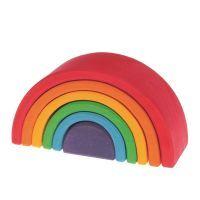 L'Arc-en-ciel petit format Grimm's est un jouet polyvalent. Quel que soit l'âge des enfants, il reste un des préférés.Que ce soit pour construire des formes abstraites, des maisons, des ponts, du mobilier pour poupée, des sculptures... Toute la créativité des enfants sera servie grâce à lui.Dès 2 ans.Caractéristiques :  6 arcs de couleurs et de tailles différentes. L'arc-en-ciel est récompensé par le label « spiel gut ». Peut également être très bien combiné avec d'autres…