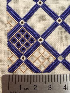 Taschen: Latticework purse progress