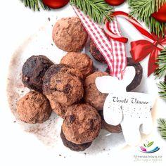 Raw cukroví vánoční kakaové Christmas Sweets, Paleo, Cookies, Chocolate, Desserts, Food, Crack Crackers, Tailgate Desserts, Deserts