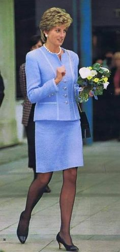 February 28, 1995: Diana Princess Of Wales Visiting Great Ormond Street Hospital For Children In London. She Is Wearing A Pale Blue Louis Feraud Boucle Suit.. Princess Diana also wore this outfit, but with more strings of pearls when she visited the Umeda Akebone School In Tokyo, Japan.