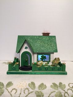 Patricks Day House by Putzhouse on Etsy Mini Houses, Putz Houses, Miniature Houses, House Template, Glitter Houses, Bottle Brush Trees, All Holidays, Paper Houses, All Things Christmas