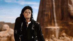 26 Michael Jackson GIFS - Gallery