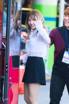 South Korean Girls, Korean Girl Groups, Pink Lamborghini, Nayeon Twice, Im Nayeon, Airport Style, Airport Fashion, Girl Crushes, Pretty Girls