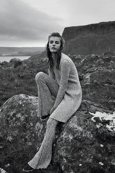Dreamy Knits We Want for Fall Elle - Paradise Isle - Scotish Knits for Fall Photographed by Laurie Bartley and styled by Samira Nasr.Elle - Paradise Isle - Scotish Knits for Fall Photographed by Laurie Bartley and styled by Samira Nasr. Beach Editorial, Editorial Photography, Photography Poses, White Editorial, Glamour Photography, Lifestyle Photography, Fashion Poses, Fashion Shoot, Editorial Fashion