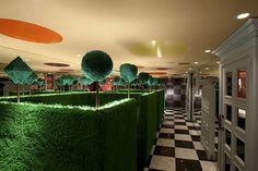 O restaurante temático de Alice no País das Maravilhas!