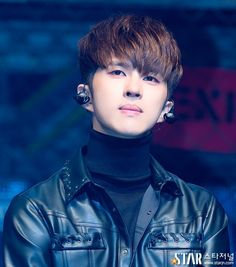 Chained up #KEN Ken Vixx, Lee Jaehwan, Jung Taekwoon, Jellyfish Entertainment, Kpop Boy, Handsome Boys, Korean Boy Bands, Korean Singer, Boy Groups