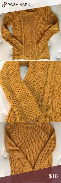 Forever 21 thick sweater in a rich marigold yellow 100% cotton, thick and comfortable. In good condition with no visible snags. Forever 21 Sweaters Crew & Scoop Necks
