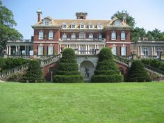 Long Island, New York is a splendid getaway with vineyards, white sand beaches and of course, The Hamptons. Come Discover Long Island! Old Westbury Gardens, Nassau County, House By The Sea, Long Island Ny, Old Money, Island Girl, Abandoned Mansions, White Sand Beach, Best Vacations