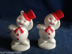 2-Vintage-Rosbro-Christmas-Hard-Plastic-Snowman-Ornaments-Candy-Containers-1950s