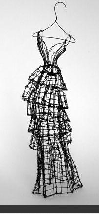 Liz Blair's art and fashion: Leigh Pennebaker wire sculptures