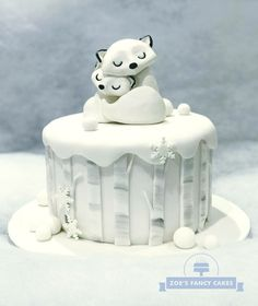 10 Frosty Winter Sweets That Have Nothing To Do With Christmas — Cake Wrecks Christmas Cake Designs, Christmas Cake Decorations, Holiday Cakes, Christmas Cakes, Fondant Christmas Cake, Xmas Cakes, Christmas Gingerbread, Gingerbread Cookies, Cake Wrecks