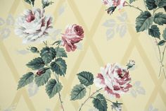 1940s Floral Vintage Wallpaper from Hannahs Treasures