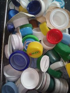 Verschlüsse in vielen Farben Measuring Cups, Material, Colors, Measuring Cup, Measuring Spoons