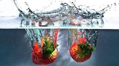 Strawberries in Water HD Desktop Wallpaper