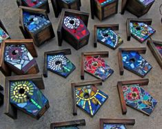 Items similar to Mixed Media- Stained Glass-MIrror-Ceramic Pieces-Resin- FRONT ONLY -made to order - Choose a Design! heart, sun, spiral, flowers, color mix on Etsy Mosaic Garden Art, Mosaic Diy, Mosaic Crafts, Mosaic Projects, Mosaic Tiles, Mosaics, Stained Glass Mirror, Mosaic Glass, Glass Art