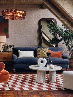 Navy Blue Velvet Sofa, Blue Velvet Sofa Living Room, Teal Sofa, Living Room Sofa, Home Living Room, Living Room Decor, Navy Sofa, Living Area, Soho House