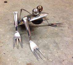 Frog+Recycled+Garden+Art+upcycle+kitchen+utensils+di+nbillmeyer
