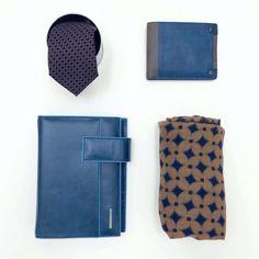 Sciarpa €64,40 -30%= €45 Organizer €175 -30%= €122,50 Cravatta €67,70 -30%= €47,50 Portafogli €95,00 -30%= €66,50 Spedizione gratuita  Info: WhatsApp 329.0010906 #manlioboutique #accessories #man