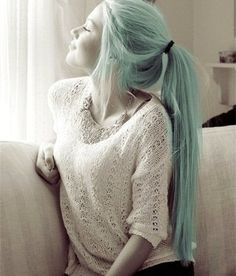 Pastel green ponytail hairstyle, simple and beautiful~
