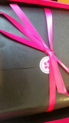 Ein neues #Review ist auf meinem #Blog fertig!! Schaut rein :-) #AnnitschkasBlog: #Glossy Box vs. #Pink Box - #September #beauty #blogger #beautyblogger