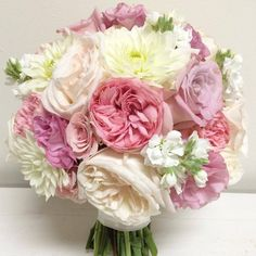 Round Bouquet Natural Beauties Fl