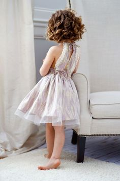 this would be the cutest little flower girl dress! and... (pretty little wedding…