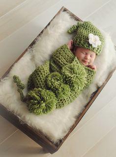 Pea Pod Crochet Cocoon & Hat - Photo Prop for Newborn Baby