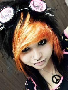 ShoeLaccey Mintyoreos Staecey. She's so dang pwetty D: orange and black scene hair