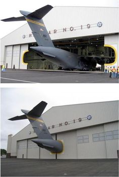 funny humor lol Plane in an undersized hangar Image Avion, Pilot Humor, Aviation Humor, Aviation Art, Door Design, Military Aircraft, Fighter Jets, Fighter Aircraft, Funny Pictures