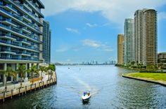 Si quieres recorrer los rincones más románticos de #Miami, pasea por la preciosa Isla #Fisher. http://www.bestday.com.mx/Miami-area-Florida/ReservaHoteles/