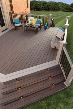 View our Outdoor Living Design ideas. Get inspiration for your Outdoor Living area with our Deck Design Ideas. See Deck colors, Railing options & more. Deck Colors, Deck Colour Ideas, Deck Stain Colors, Casa Patio, Cozy Backyard, Backyard Patio Designs, Backyard Ideas, Decks And Porches, Patio Decks