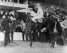 [Vintage] Kentucky Derby Photo (1914)